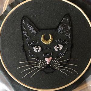 Digital PDF pattern - Crescent Moon Cat Hand Embroidery Pattern (PDF modern embroidery pattern)