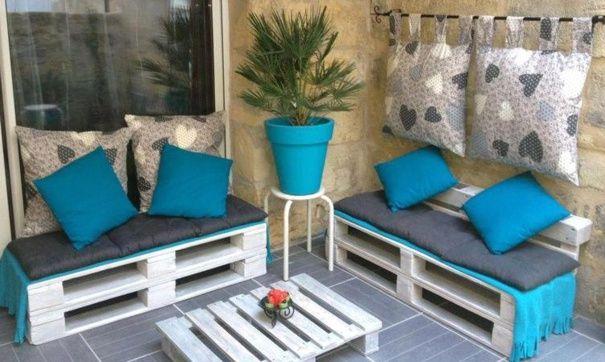 Terrasse en bleu avec des palettes recyclées | · ♧ EXTERIEURS ...