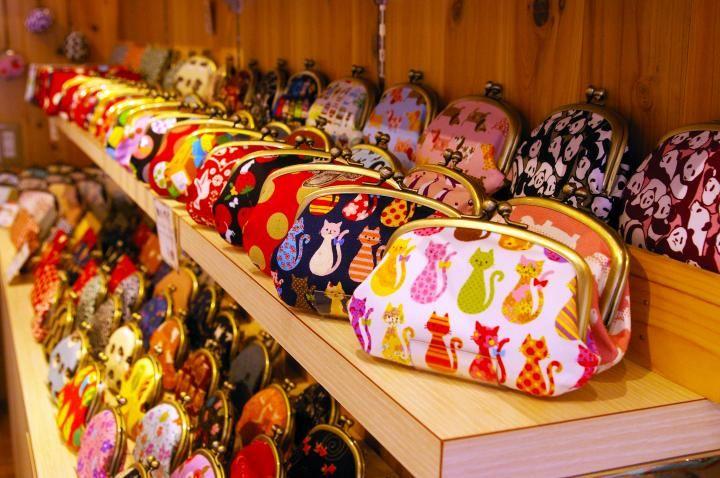 Cartoon Rilakkuma Bear Oblique satchel plush across the