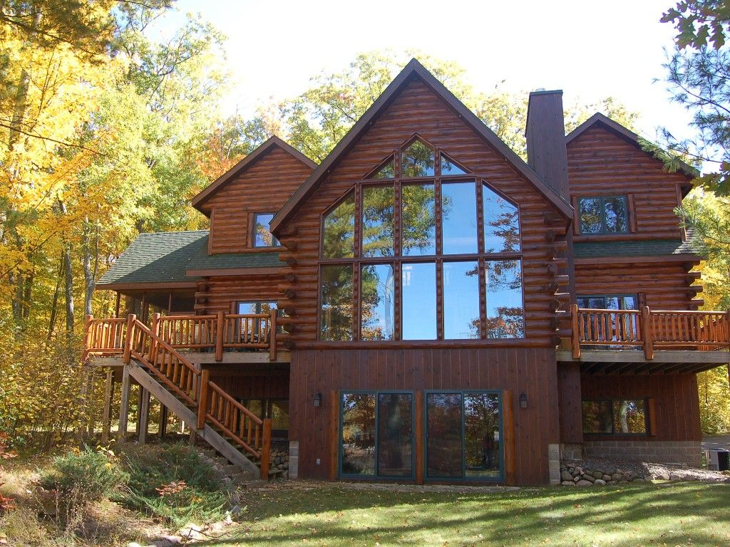 404837 private log home on round