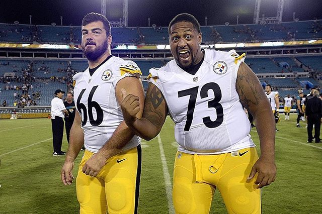Wow...If they can't beat cha... Steelers guard Ramon Foster confirmed Vontaze Burfict spit on guard David DeCastro during the game, but Foster says Burfict wasn't the only Bengals player to commit the act. But they still calling Joey classless...please just   Lets Go Steelers!! ✨ David DeCastro #AllPro #daviddecastro  #ramonfoster @theramonfoster #steelers #steelernation