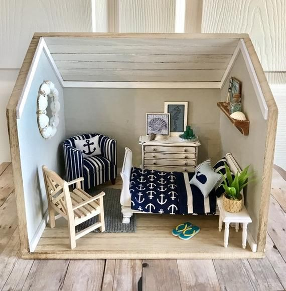 This Gorgeous 1 12 Scale Room Box Comes Completely Furnished With Furniture Accessories And Every Beachy Detail I Had Room Box Dollhouse Furniture Doll House