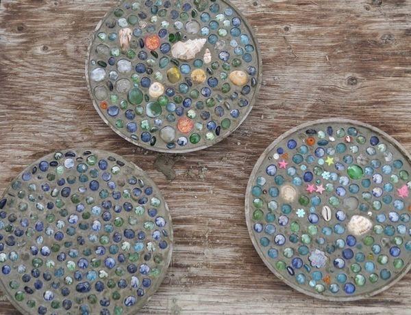 Come realizzare un mosaico fai da te per decorare il giardino