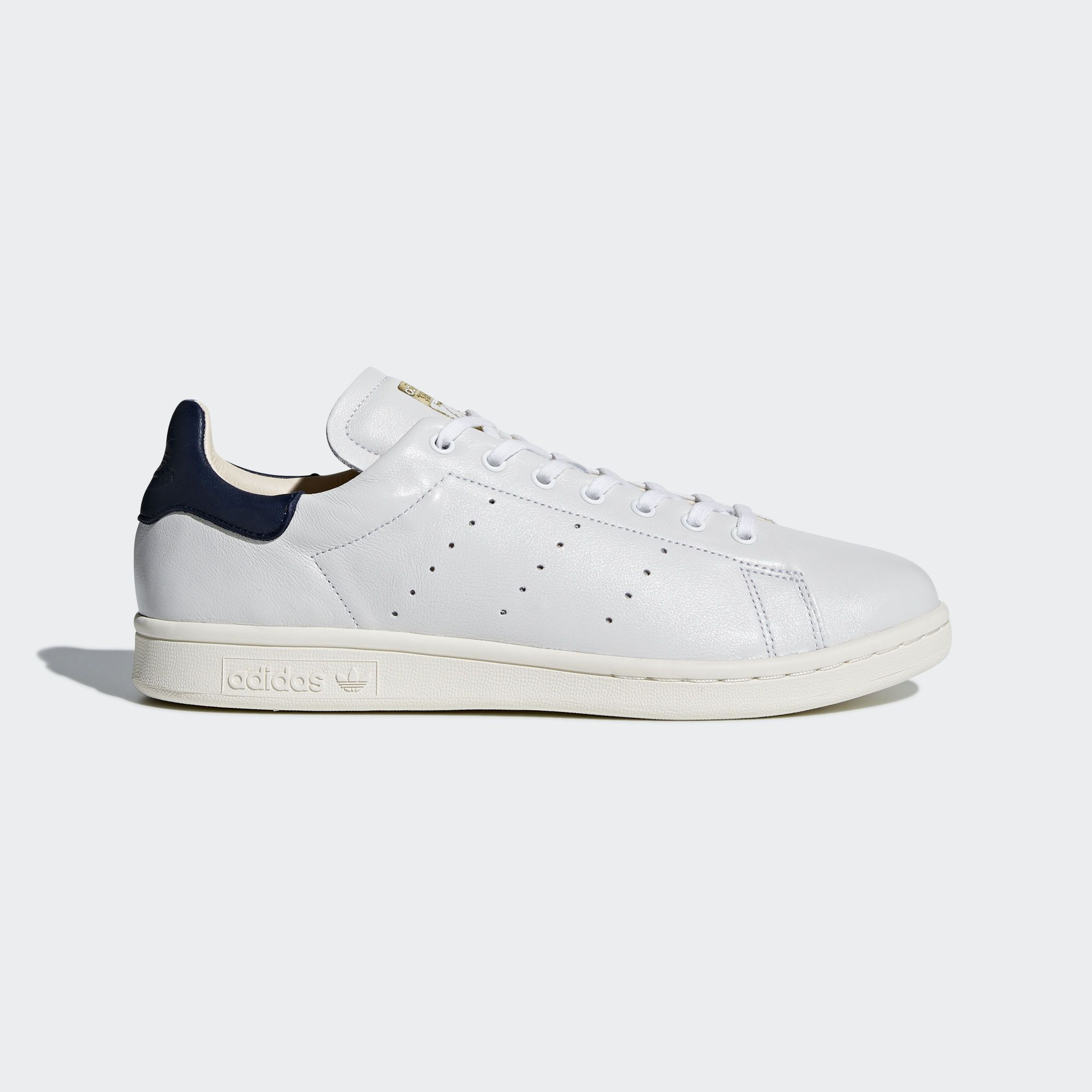 Named for a two-time Grand Slam champion and one of the all-time tennis  greats, the Stan Smith sneaker is a global style icon that's celebrated for  its pure ...