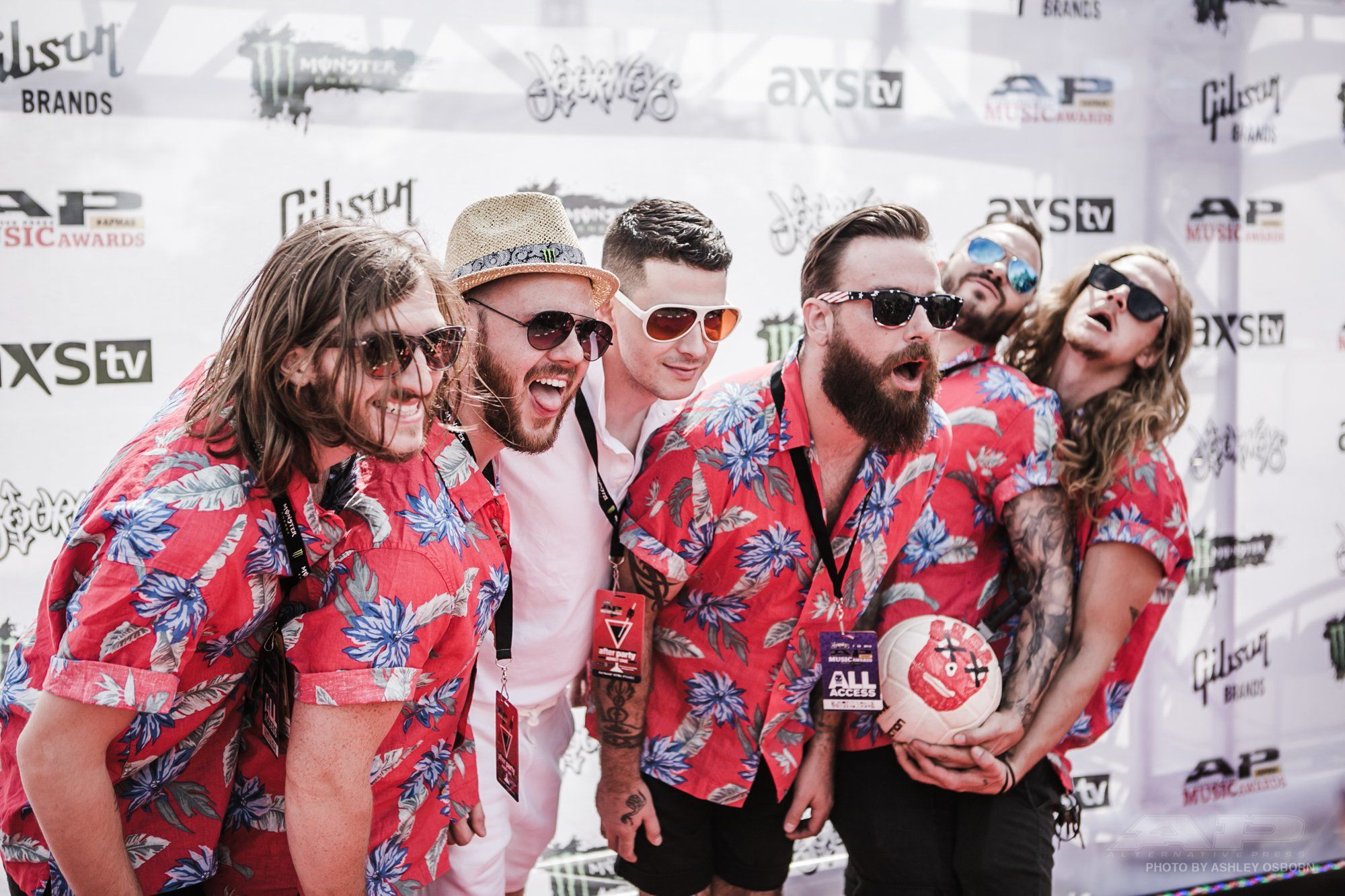 The Guys From Wilson Look Pretty Rad In Those Hawaiian Shirts Don T They Check Out All The Best Moments And Gr How To Look Pretty Red Carpet Hawaiian Shirt
