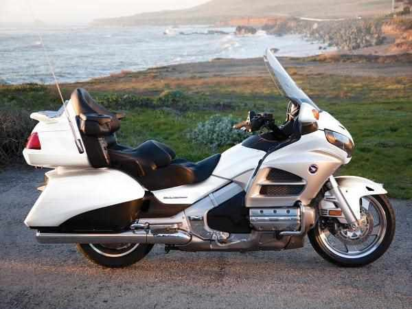 2018 2019 honda gold wing gl1800 moto of bike news. Black Bedroom Furniture Sets. Home Design Ideas