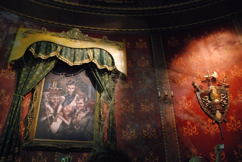 fe101fc589453749f02f4eeef32c0096 - Curse Of Darkastle Busch Gardens Williamsburg