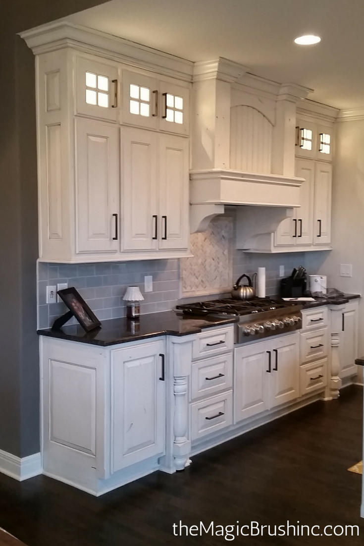 Painted Cabinets That Are Glazed By The Magic Brush Base Color Is Sherwin Williams Zurich White Sw7626 With A Me Kitchen Redo Kitchen Remodel Home Kitchens