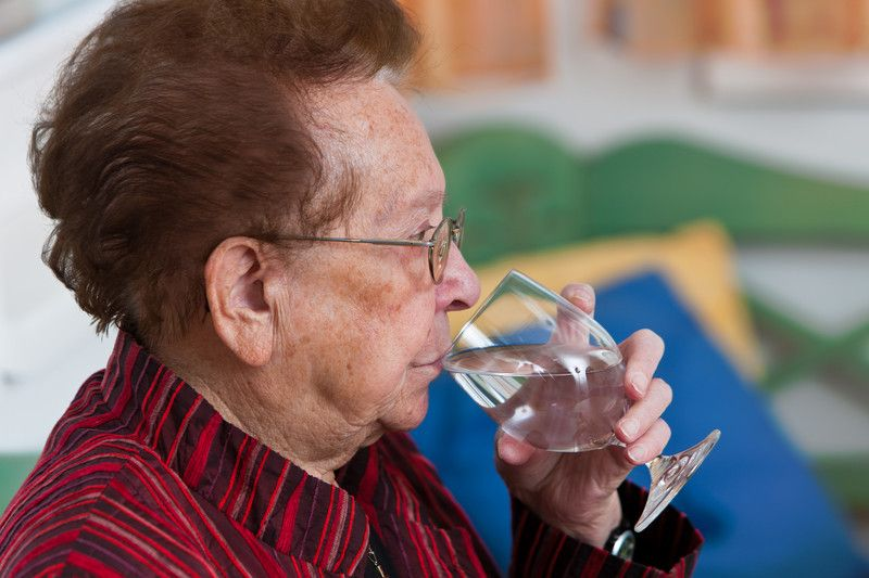 Senior Care Tips To Help Elderly Adults Stay Hydrated