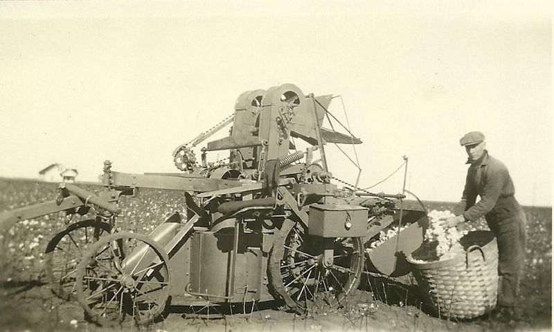 Ralls,Texas 1928 Pickn Machine Texas history, Farming