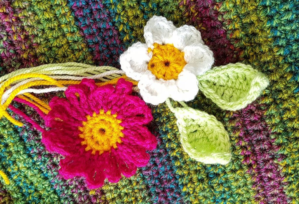 How to make a crochet twiddle muff. Her is my free tutorial pattern ...