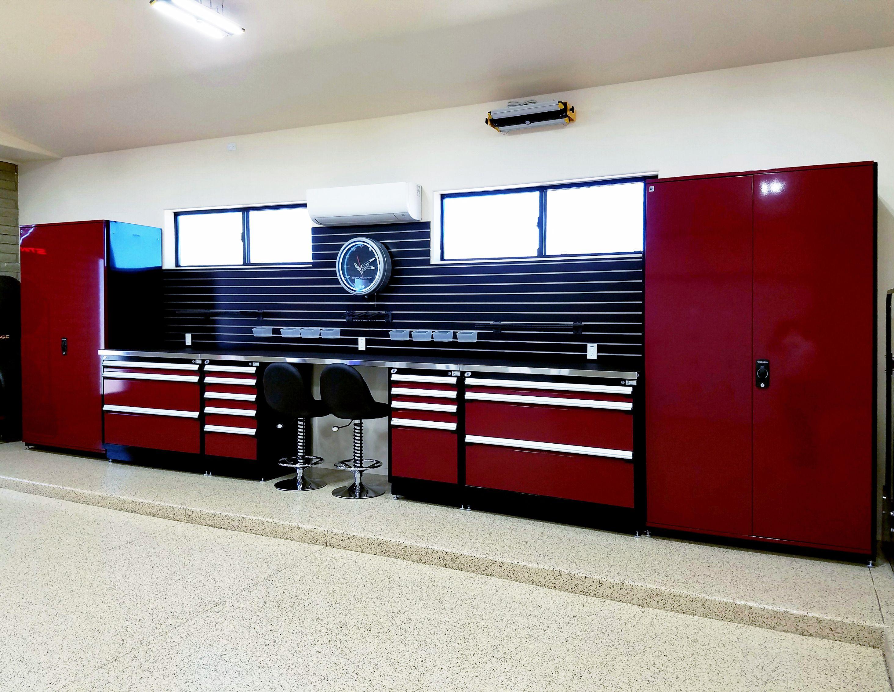 Black slat wall used at garage storage bench & Black slat wall used at garage storage bench | SlatWall MX ...