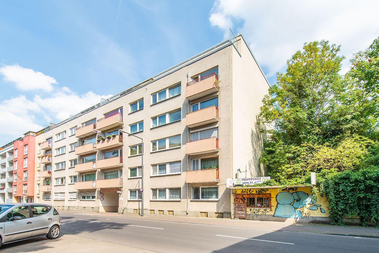 Neu Im Verkauf Koln I Etagenwohnung I Wohnflache Ca 80 M I Zimmer 3 Objektnr Pb870 Mehr Unter Www Phi2 In 2020 Etagenwohnung Immobilien Immobilien Angebote