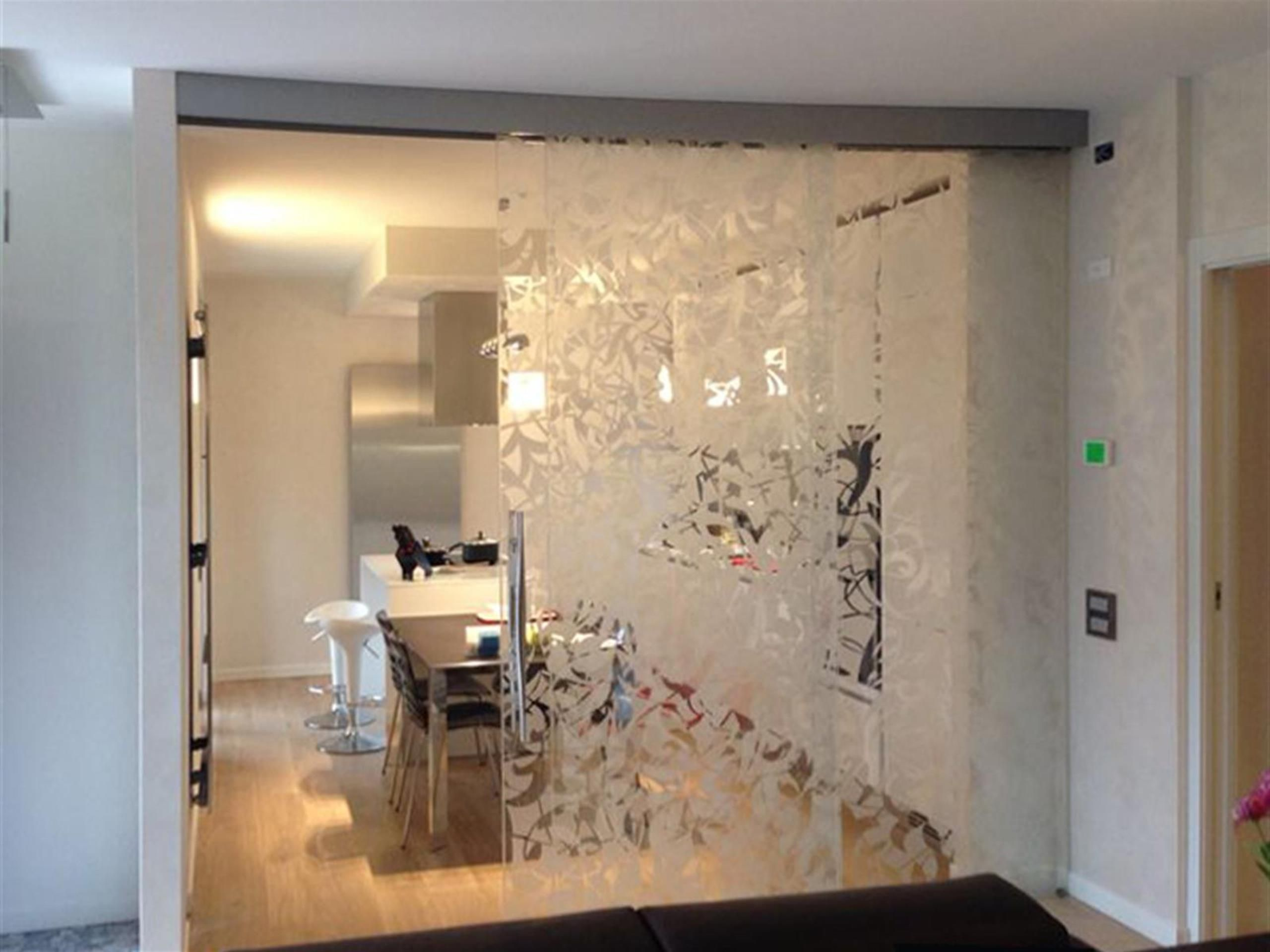 Parete Divisoria Con Porta Scorrevole pareti divisorie in vetro per interni. gallery of pareti