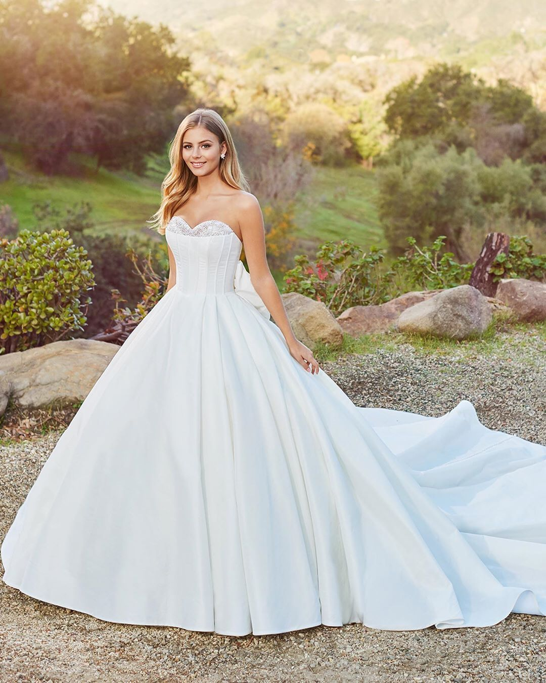 Pin By Ivory Promise On Wedding Ideas Wedding Dresses Simple Wedding Dresses Keyhole Back Wedding Dress [ 1350 x 1080 Pixel ]