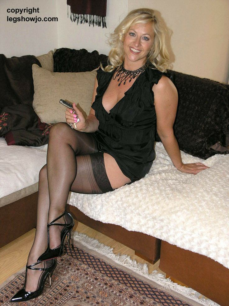 Legs, Panty Hose & Black Pumps - a photo on Flickriver