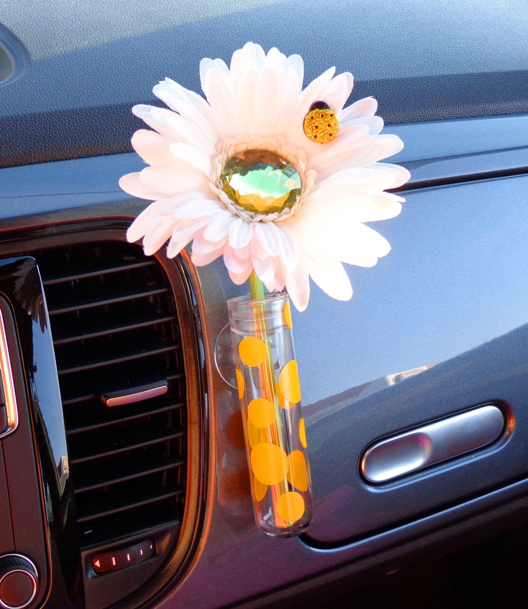 Vw Beetle Flower White And Red Bling Daisy With Universal Vase Vw Beetle Flower Vw Beetle Flower Vase Vw Flower