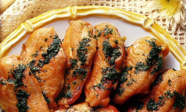 Receita de Frango ao molho de salsa e limão - Frango - Dificuldade: Fácil - Calorias: 456 por porção