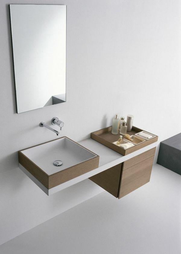 Moderne Badeinrichtung Waschbecken Armatur Wandspiegel