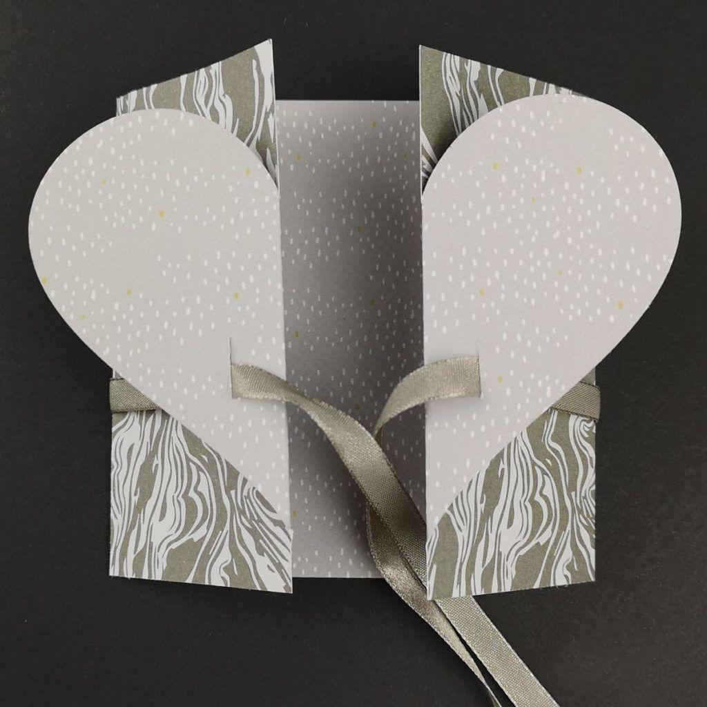 Schlichte Hochzeitskarte basteln [Plotterfreebie & Bastelvorlage] - kugelig.com