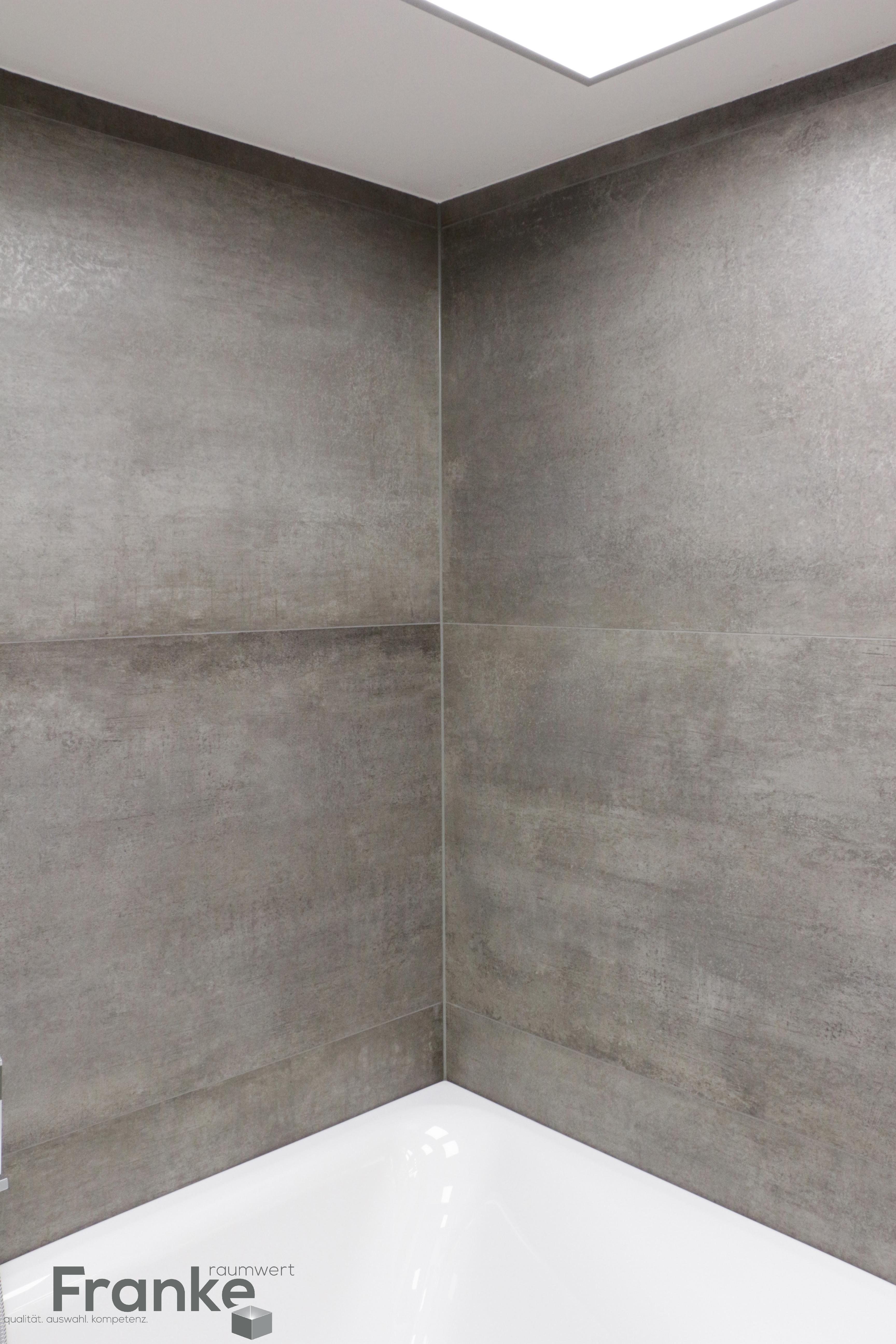 Minimalistisches Fugenbild Durch Xxl Format 80x180 Cm Neue Serie Prima Materia Neuste Betonoptik Http Badezimmer Fliesen Badezimmer Badezimmer Fliesen Xxl