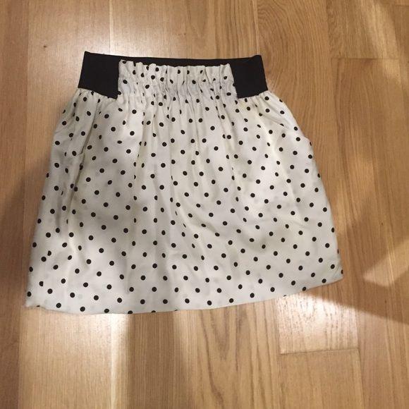 "Zara mini Super flattering Zara polka dot mini skirt 16.5"". Size large but fits more like a medium Zara Skirts Mini"