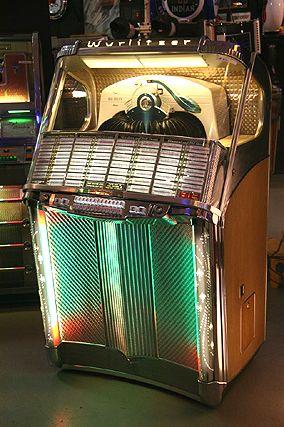Wurlitzer 1900 Centennial 1956 Jukebox Vintage Music