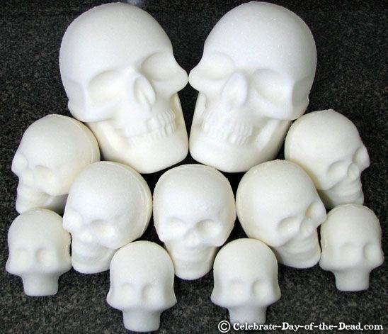 Making Sugar Skulls: How to Make Life-Size Sugar Skulls Using a ...