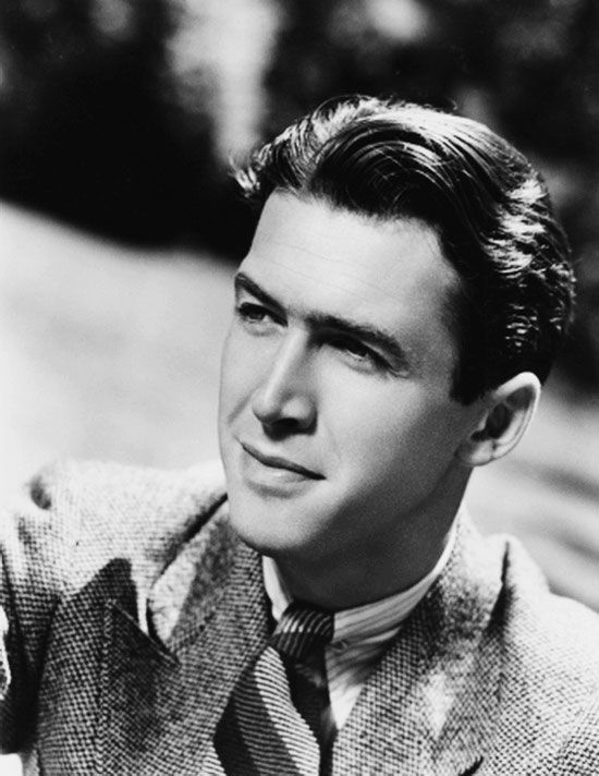 A young James Stewart -- about how he appeared at the end of the Jeanette  MacDonald & Nelson Eddy movie, Rose Marie.   Stjärnor