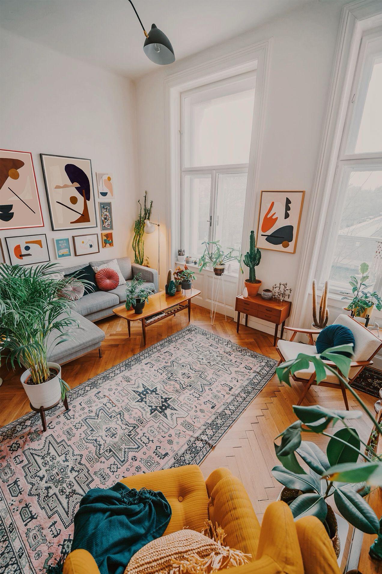 Boho Apartment With Mid Century Modern Design Elegant Living Room Design Small Living Room Decor Vintage Living Room