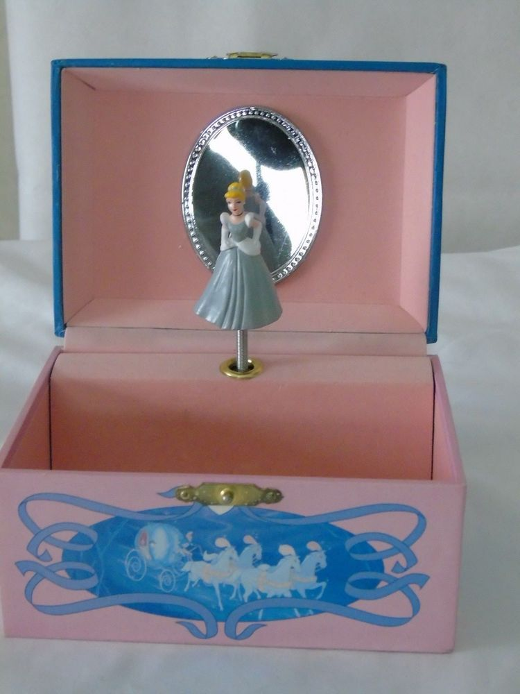 Disney dancing Cinderella musical wind up Jewelry Box plays BIBBIDI