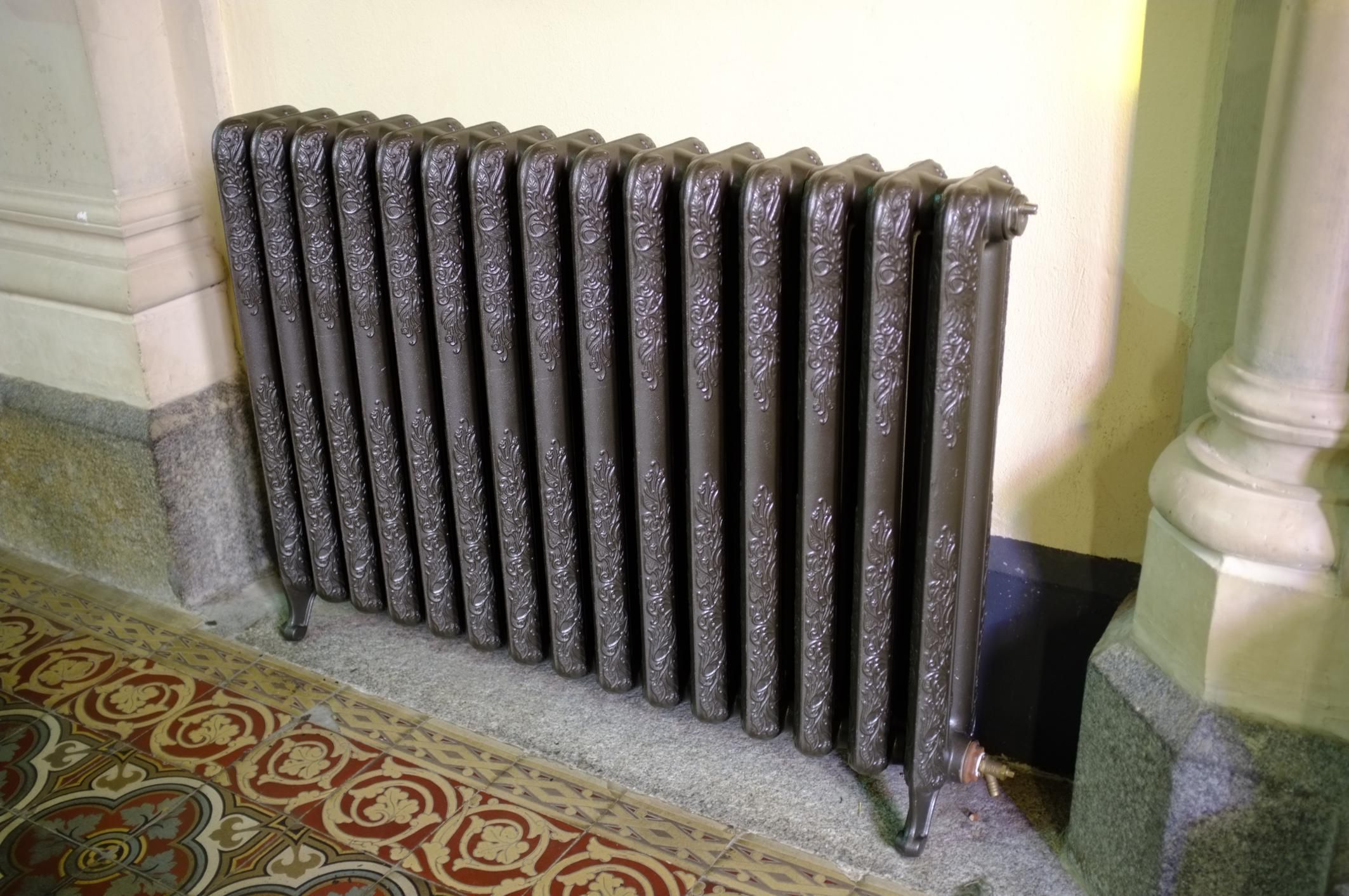 Diagnosing Problems With Steam Radiators Steam Radiators Diy Radiator Cover Radiators