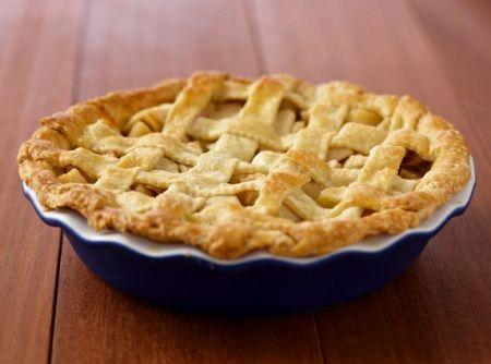Sendo uma receita deliciosa de delicada esta torta de maçã é uma ótima escolha tanto para a sobremesa como para o lanche ou chá da tarde.