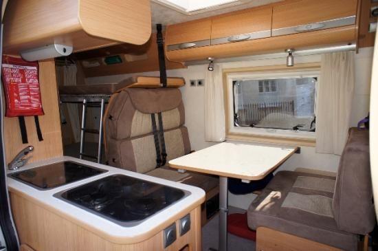 L Vehicle 1820121030 Dinette