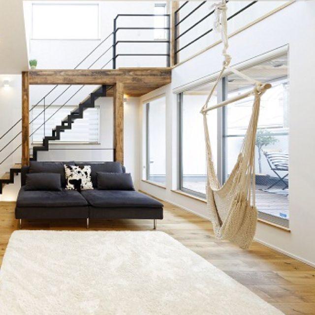 リビング ハンモック 注文住宅 3階建て 無垢 などのインテリア実例