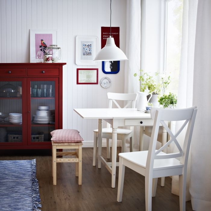 Breakfast Nook Set Ikea: Switching Out Curtains, Rugs Or Even Picture Frames