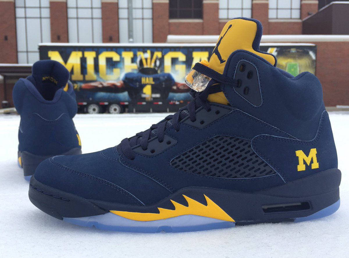 the latest f7d63 c5ff0 Michael Jordan Blessed Michigan With Exclusive Sneakers