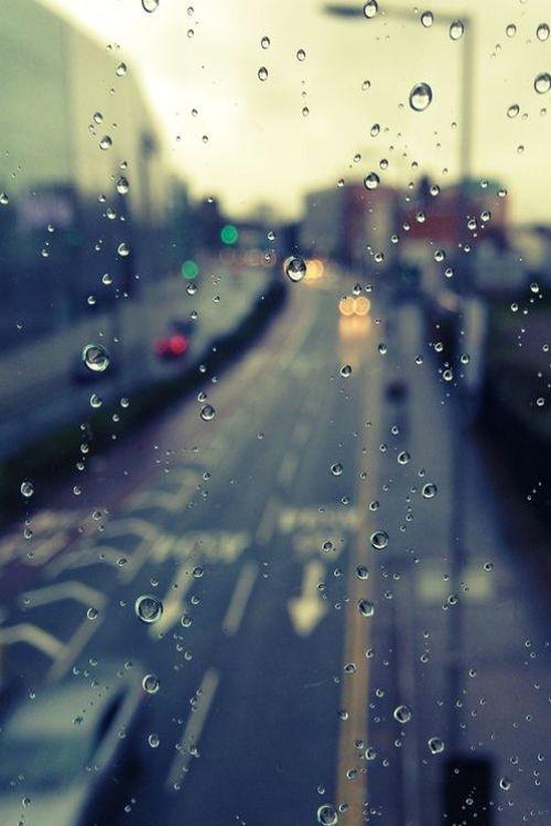 Vanilla window rain street