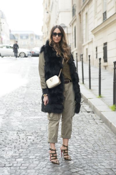1ea48deb6 Super-Short Crossbody Bags Are the New Normal: Here's How to Pull It Off |  hint of fashion | Fashion, Cool street fashion, Fur fashion