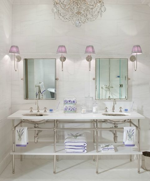 Decorating with lavender mauve purple and lilac and how for Mauve bathroom ideas