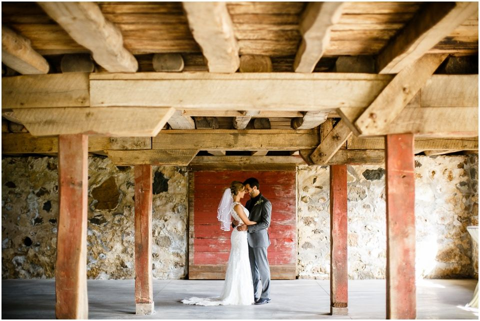 11+ White barn wedding venue mn information