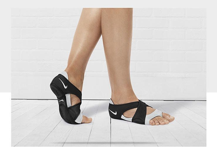 pobre Desconexión tempo  Nike Studio Wrap Women's Training Shoe. Really??? open toe running shoes  lmao | Womens training shoes, Nike studio wrap, Training shoes