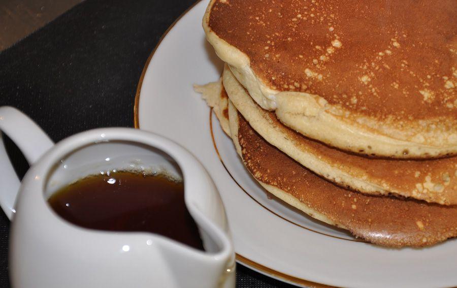 Recette Pancakes Tres Moelleux Facile Et Rapide Recette Recette Pancakes Recette Alimentation