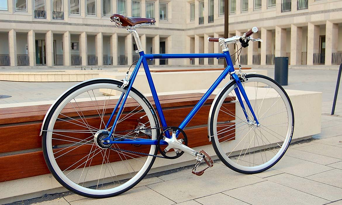 Unser Avid Blue 8 Speed Bike Mit Curana Schutzblechen Fiets