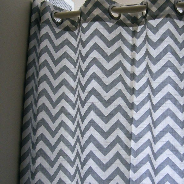 die besten 25 graue chevron vorh nge ideen auf pinterest. Black Bedroom Furniture Sets. Home Design Ideas