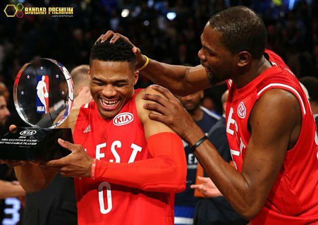 Bandar Premium – Casino Online – Guard dari Oklahoma City Thunder, Russell Westbrook terpilih sebagai Most Valuable Player (MVP) pada ajang NBA All-Star 2016. Pertarungan NBA All-Star antara West dan East ramai dihadiri sejumlah selebritis dunia. Selengkapnya http://linktrack.info/bp_pint