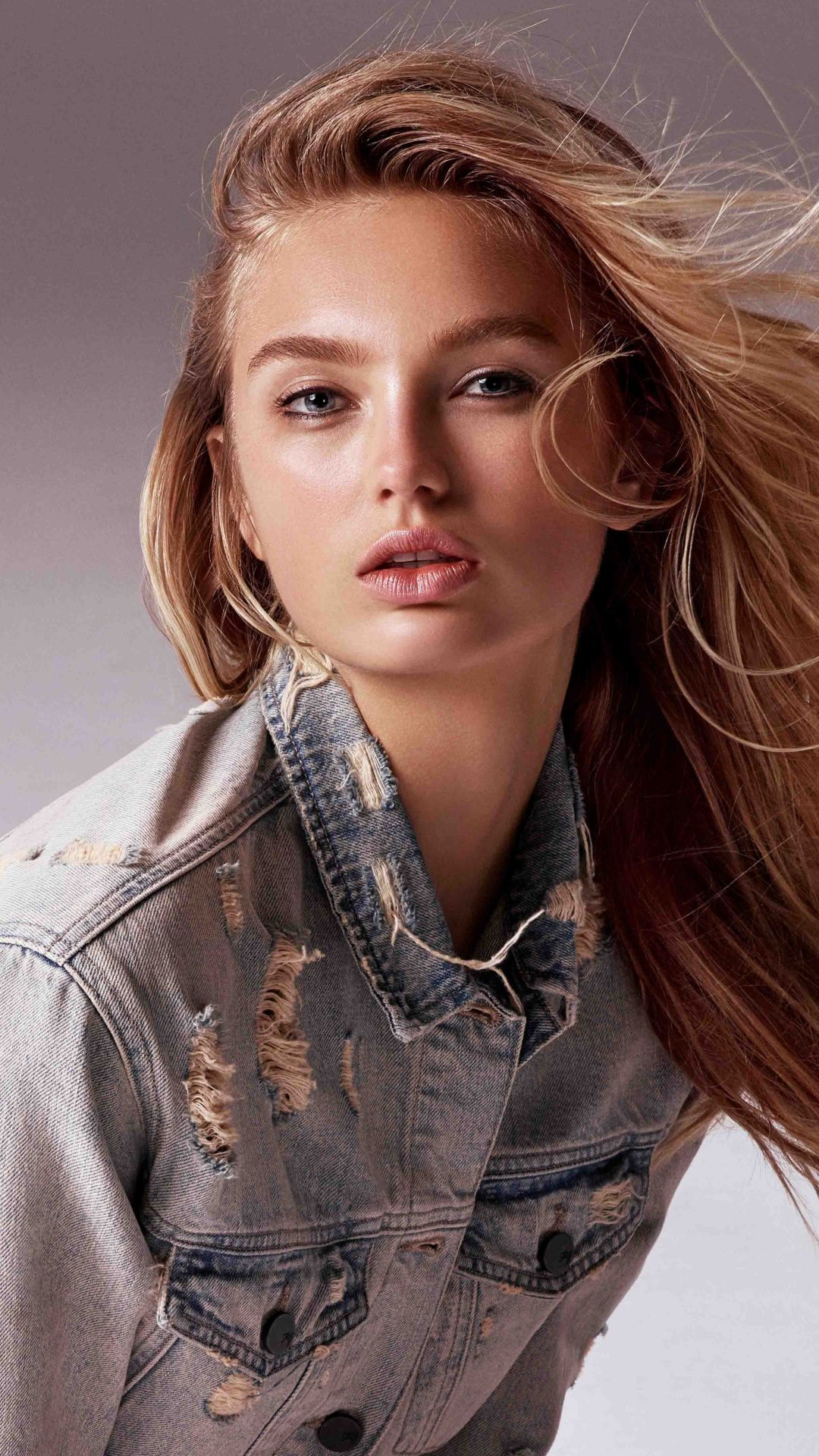 Celebrity Brunette Gorgeous Romee Strijd 1080x1920 Wallpaper