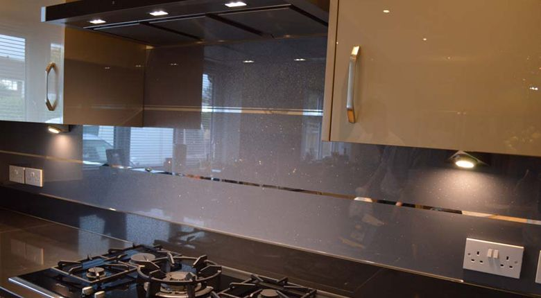Groovy Striped Mirror Effect Splashbacks Seandoo Glass Kitchen Interior Design Ideas Gresisoteloinfo
