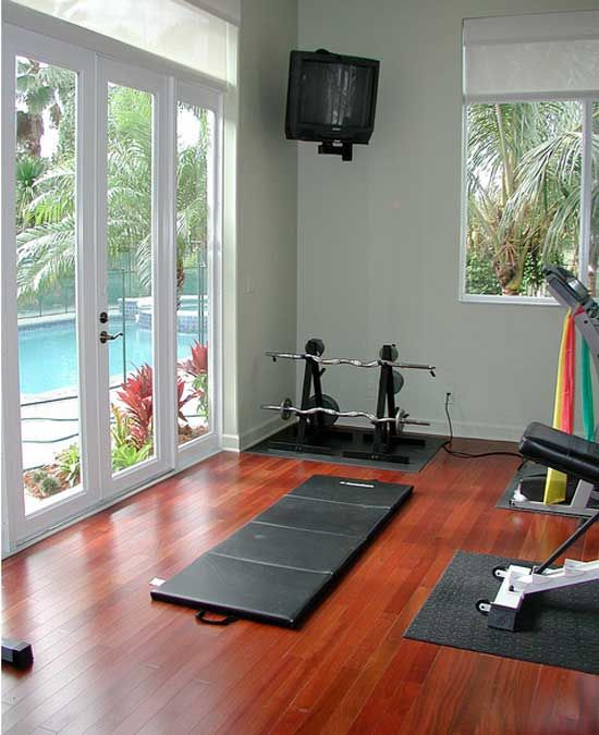 Love The Lighting With Lots Of Windows [Home Gym Design