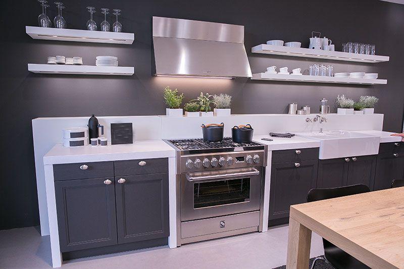 Schwarze Küche Landhausstil   Leicht Küchen
